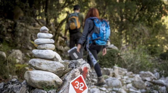Συντήρηση μονοπατιού στον Ταΰγετο από τον Ορειβατικό Σύλλογο Καλαμάτας