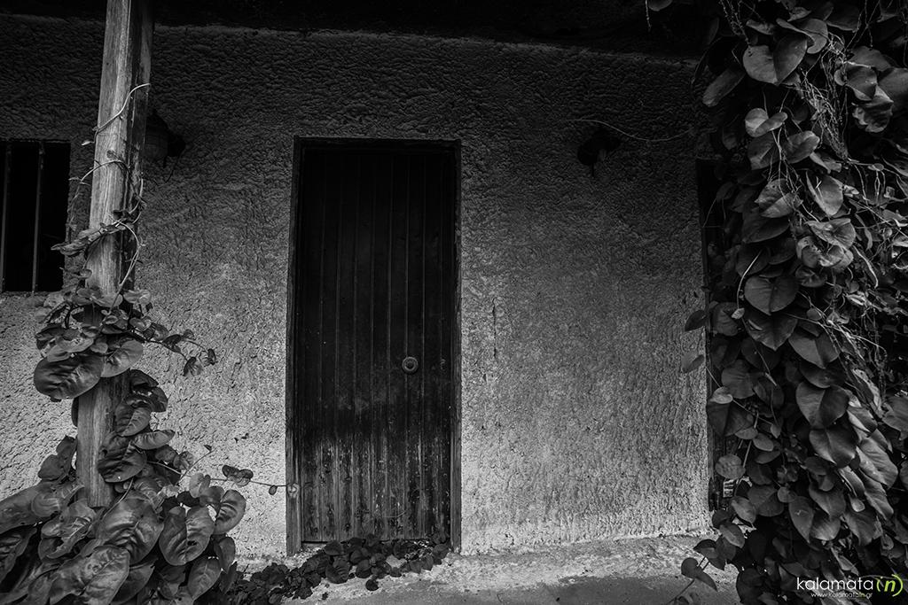 agios-dimitrios-spiti-porta-egkataleleimeno-9
