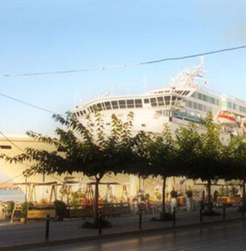 Το κρουαζιερόπλοιο «AMADEA» στο λιμάνι της Καλαμάτας